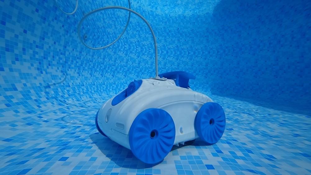 robot de piscine test avis comparatif. Black Bedroom Furniture Sets. Home Design Ideas